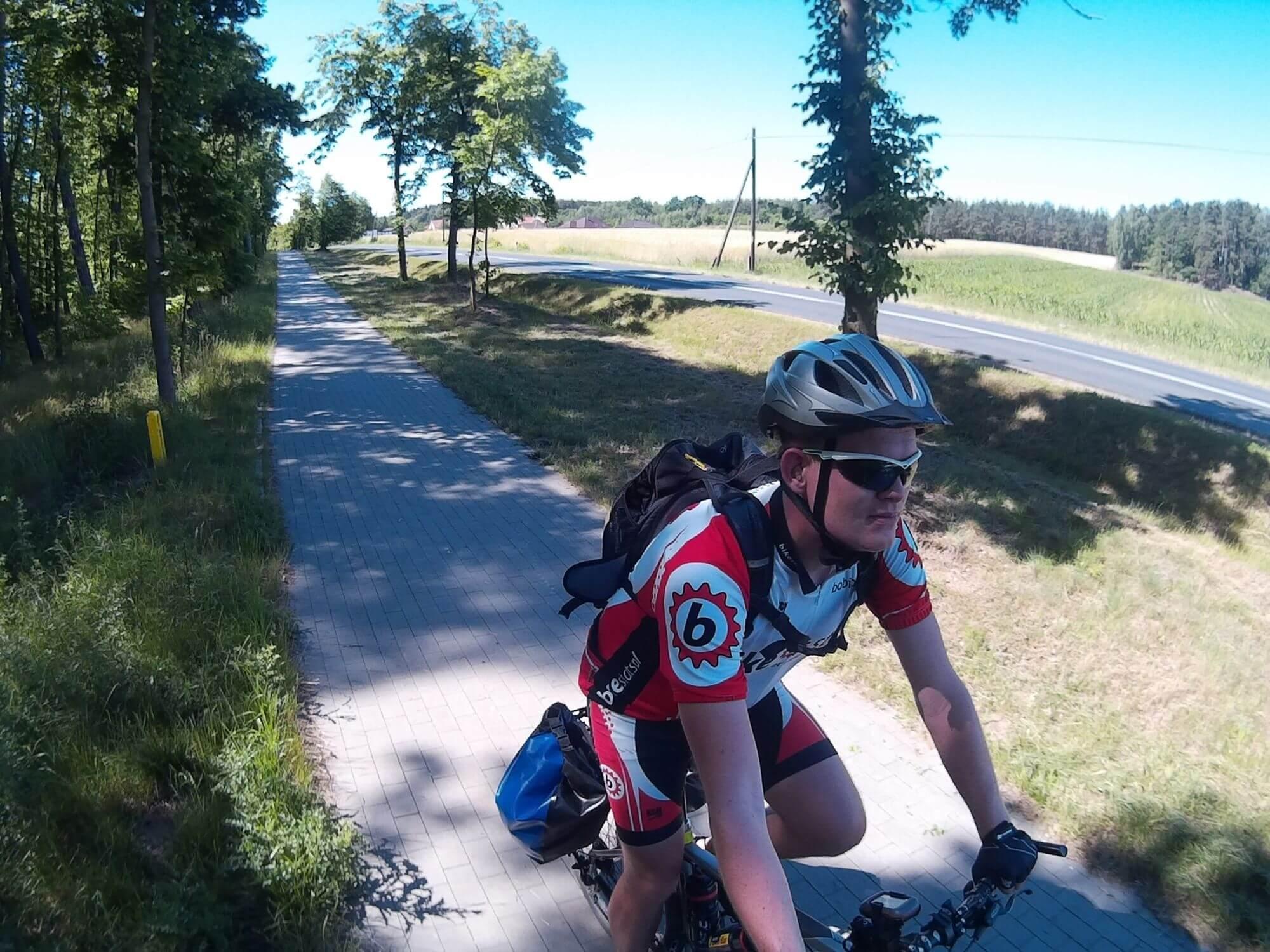 Ścieżką rowerowo-pieszą do Tucholi