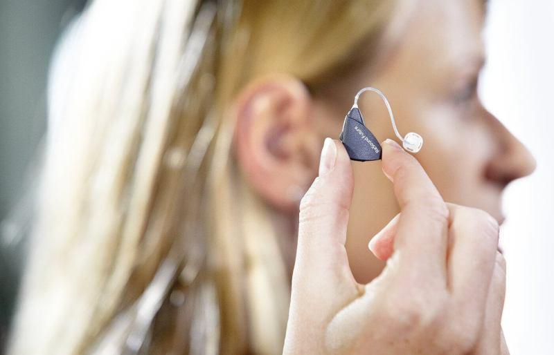 aparat sluchowy-1400