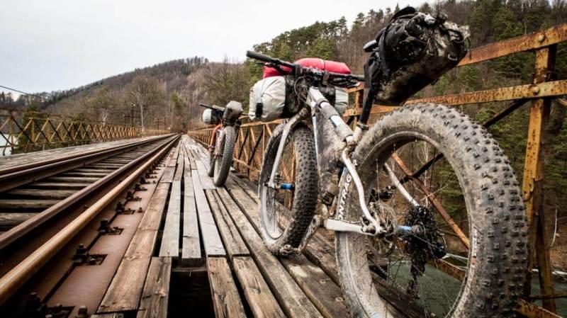 rowerowe edc (źródło mambaonbike.pl)