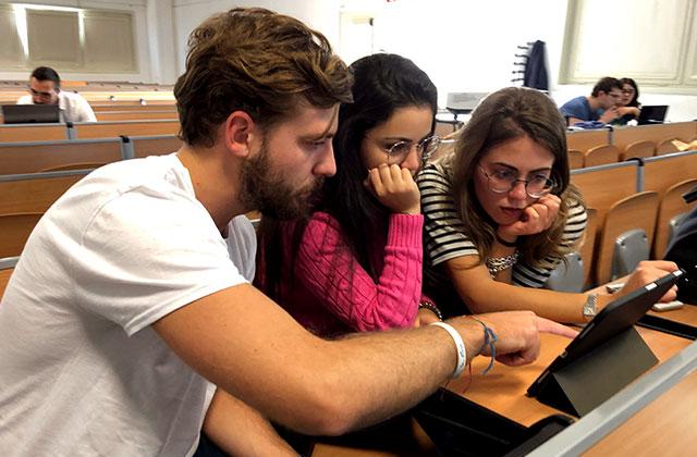 Students from University of Pavia using Body Interact on iPad