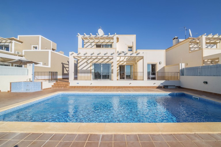 5 Steps to Renting Out Your Vacation Home in Portugal