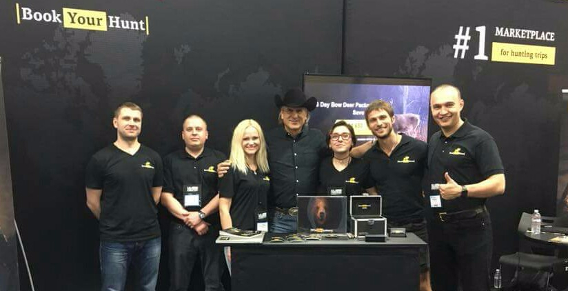 The bookyourhunt team at one of the hunting shows