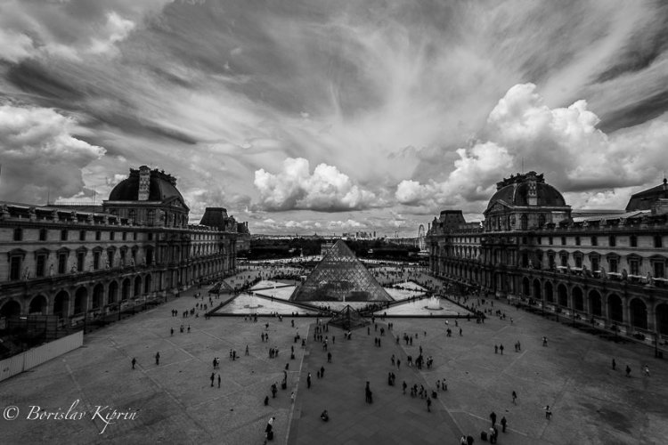 Louvre's view