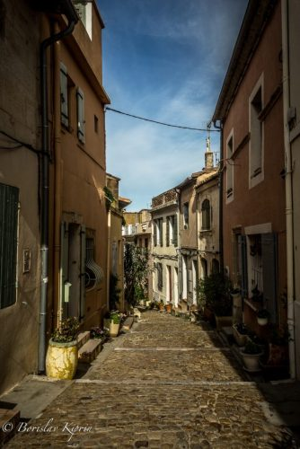 Narrow streets in Arles