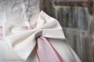 Obwohl die traditionelle, klassische Hochzeit nie unmodern wird, so verändert sich der Style der Brautbilder. Hochzeitsfotograf Zürich