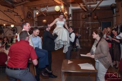 Spiele auf der Hochzeit fotografiert der Hochzeits Fotograf.