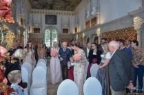 Das Brautpaar kurz vor der Trauung im Hirsvogelsaal, fotografiert der Hochzeits Fotograf aus Nuernberg.