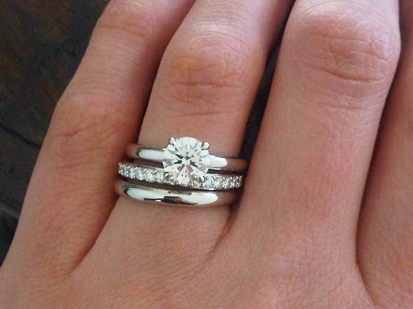 Hand Picture Of Brian Gavins Grace Solitaire And Wedding
