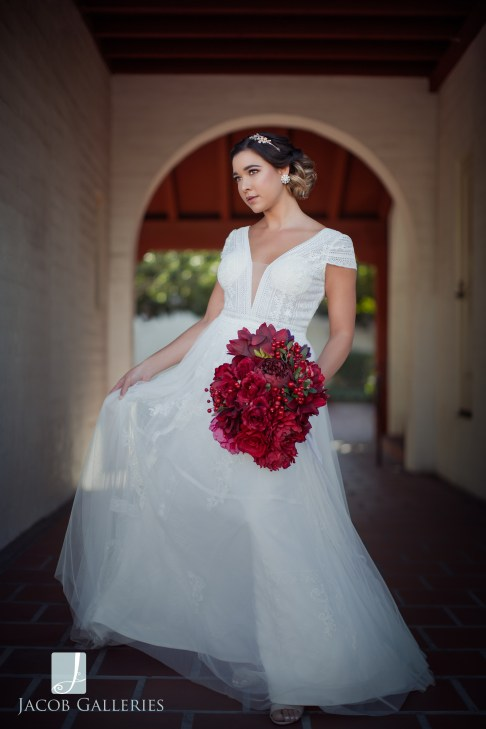 Bridal Spectacular_JacobGalleriesLVGeycee05blog