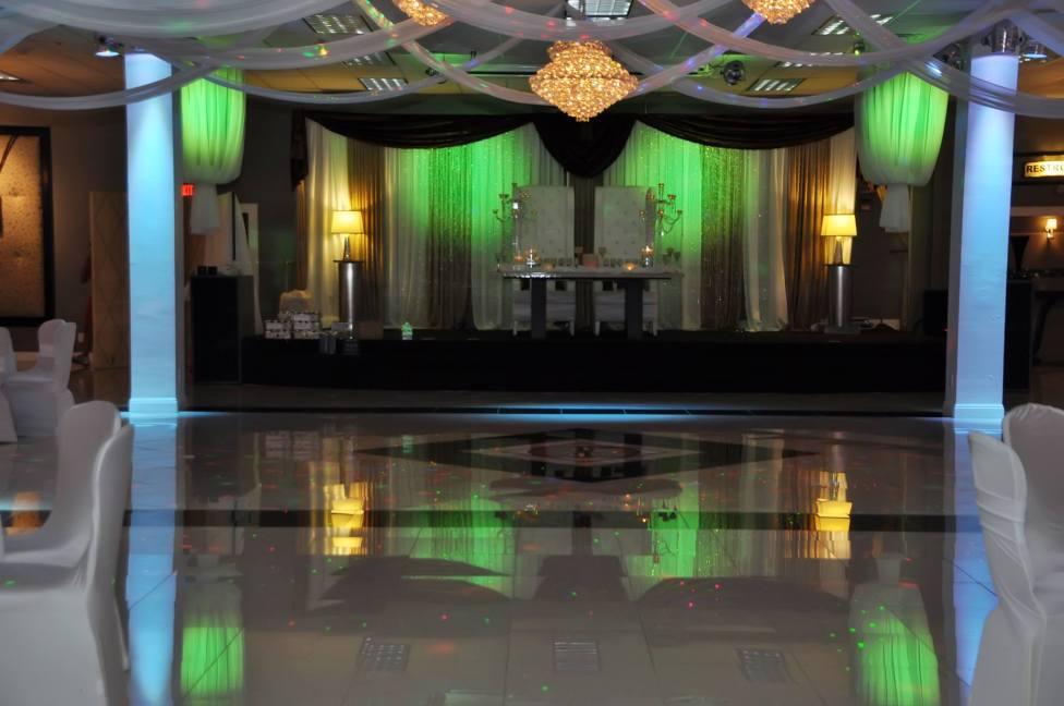 Chandelier Banquet Hall_ BRI002
