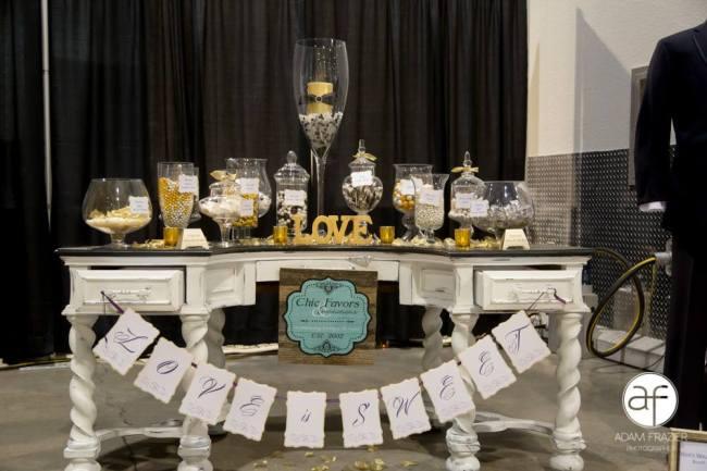 Chic Favors & Invitations
