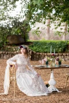 Spectacular-Bride_KMH-LegendsRanch-BohemianStyledShoot-16