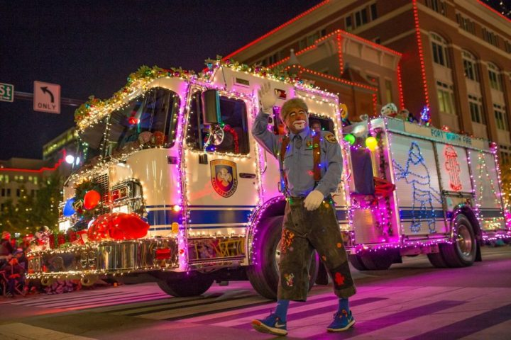 fire truck & clown in Fort Worth, Christmas parades in Texas