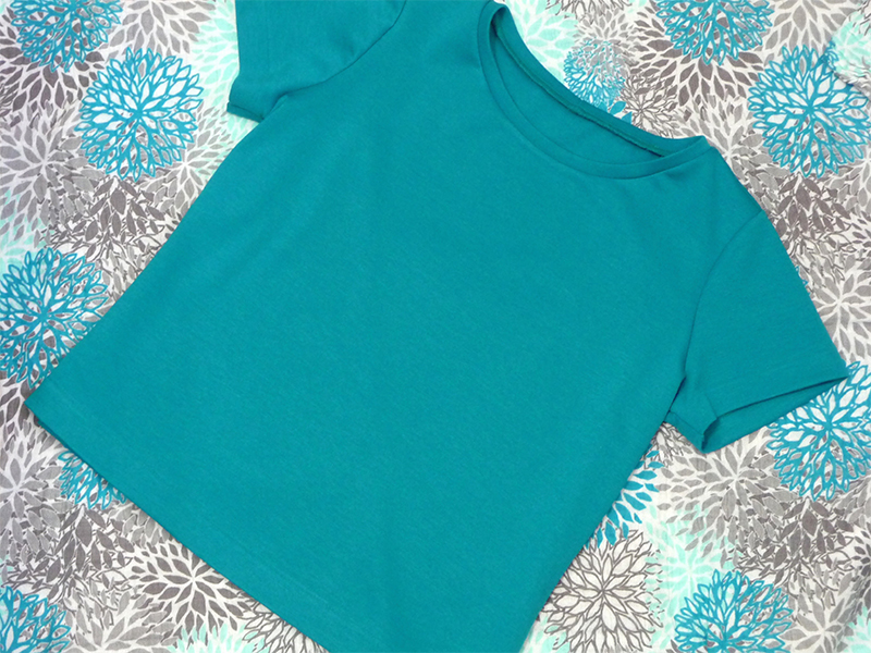 Serger Style T-Shirt & Learn the Blind Hem Foot - Stitching