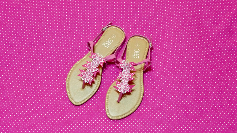 July Free Design: Sandals with Embroidered Accents