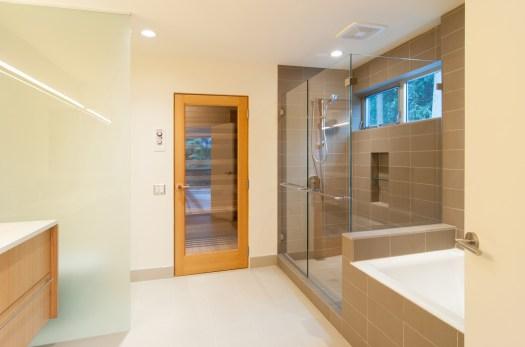 BUILD-LLC-BAV-Master-Bath-02#