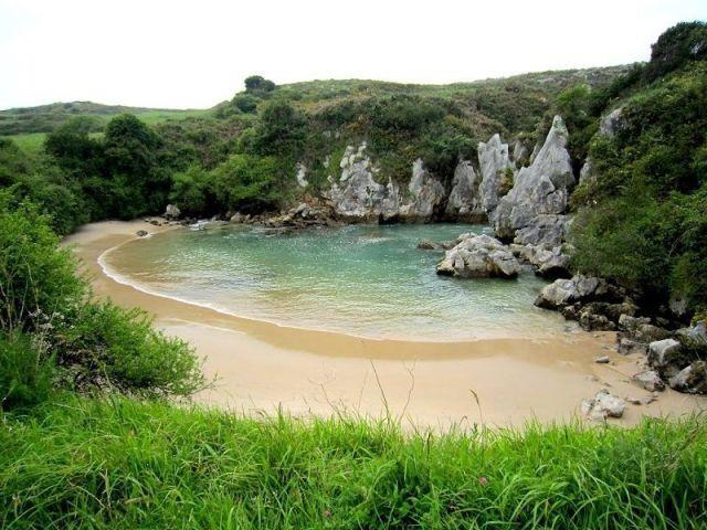playa-de-gulpiyuri-llanes
