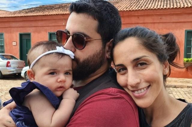 No Dia dos Pais foto de Natan Nakel junto com sua filha, Helena, e sua namorada.