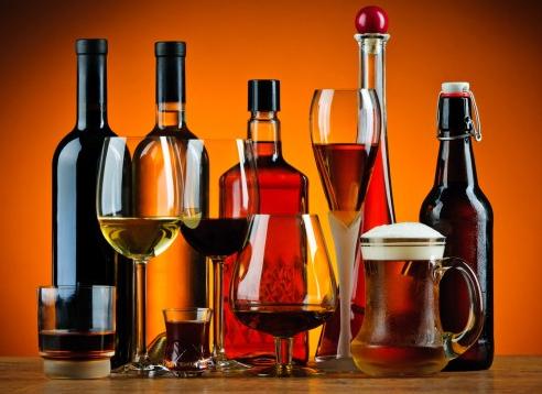 Bebidas alcoólicas, cachaça, vinho, rum, tequila, Whisky