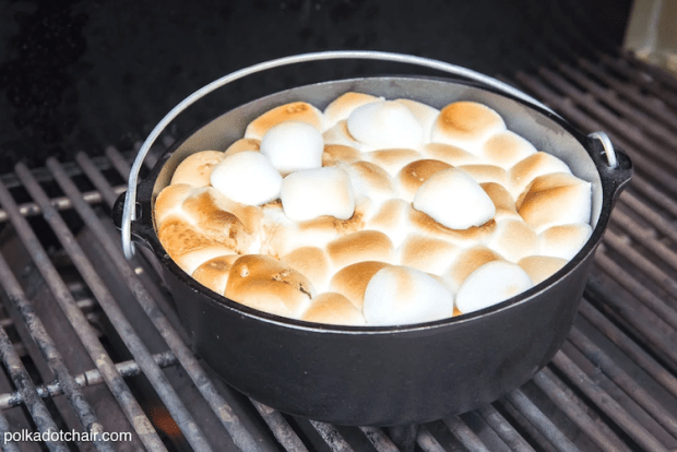 dutch oven camping recipes - s'mores cake