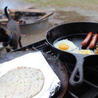 camping breakfast on a campfire