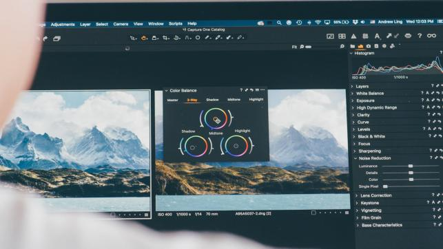 close up of person using video workflow in capture one