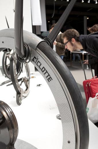 Carbon fiber Ciclotte exercise bike