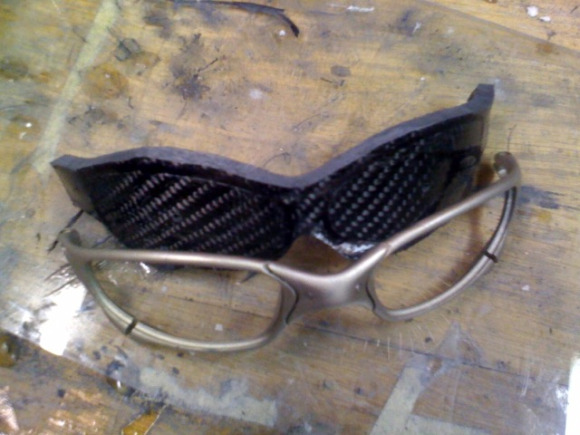 Step-By-Step: Custom Building Carbon Fiber Oakley Juliet ...