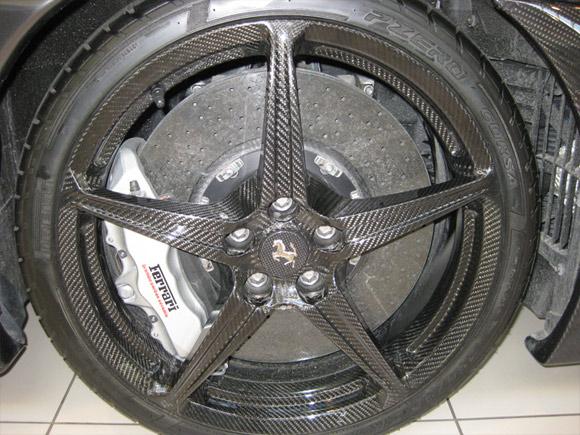 Carbon fiber Ferrari F430 16 Scuderia Spider wheel