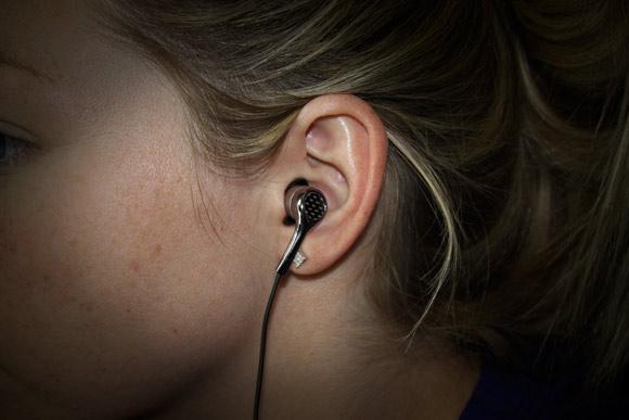 KonoAudio Carbon12 carbon fiber earbuds