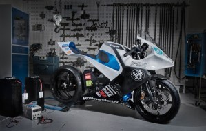 College Students Design Carbon Fiber Electric Motorcycle
