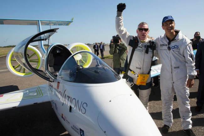 Airbus E-Fan carbon fiber aircraft