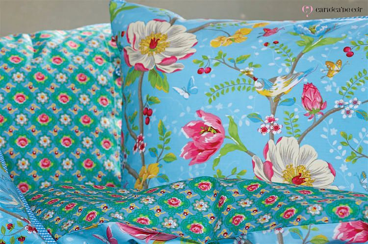 roupa de cama colorida