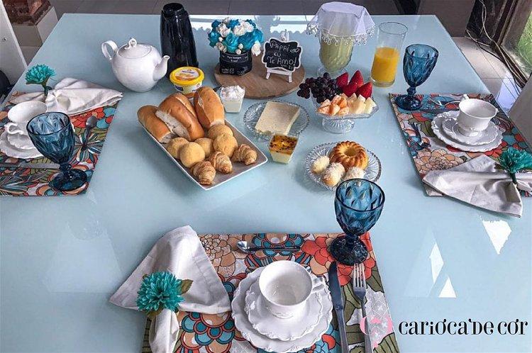 mesa posta de café da manhã