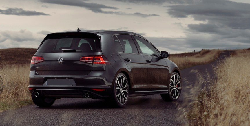 volkswagen-golf-gti-performance-2