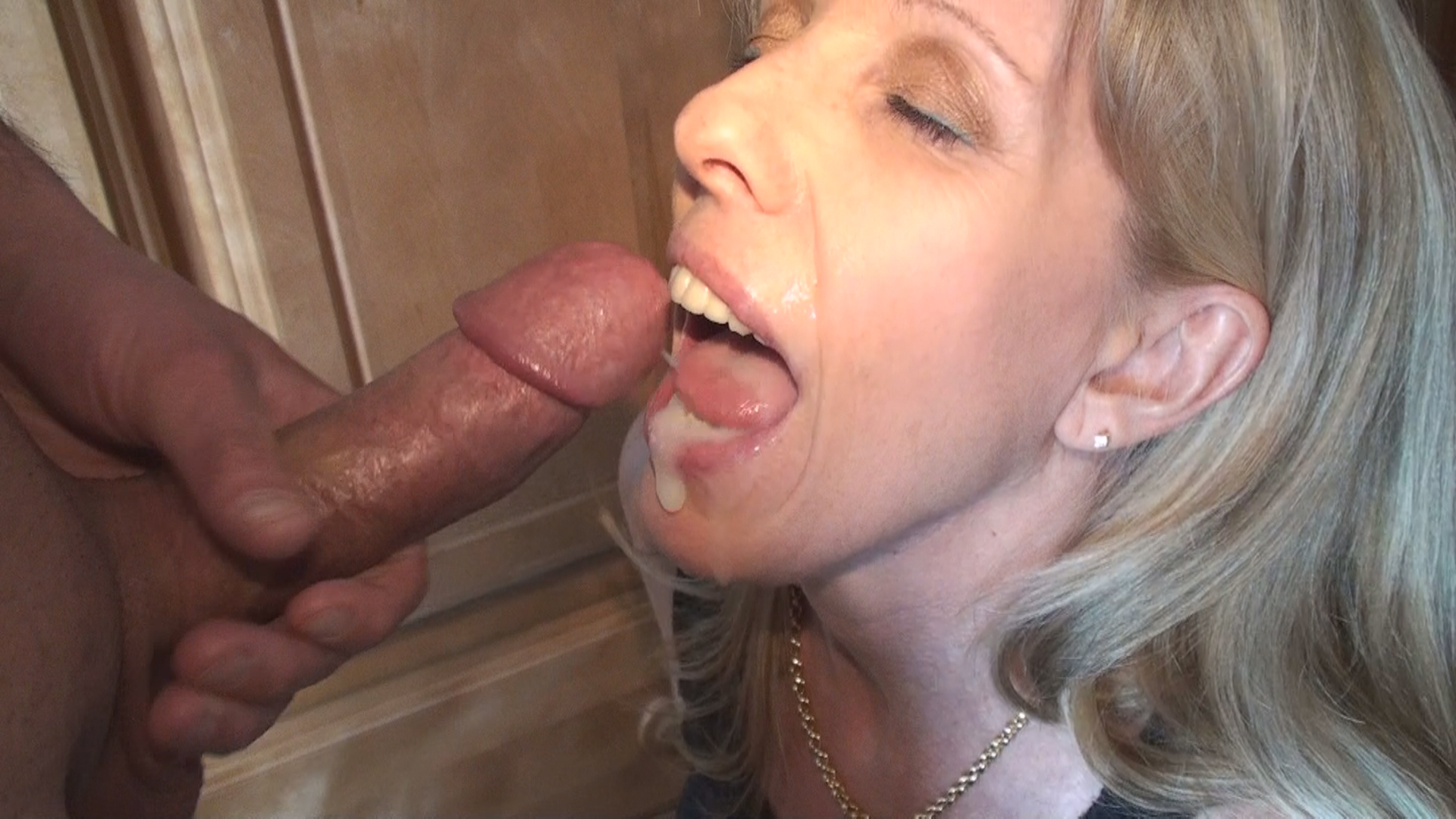 Nice couple fuck with creampie 3