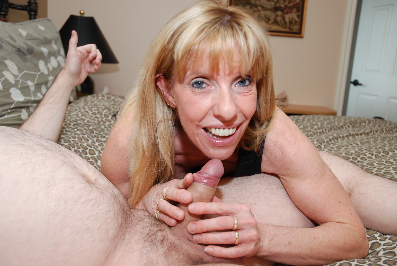 Fucking An Old Casting Couch Victim  Carol Cox Diary Of -3365