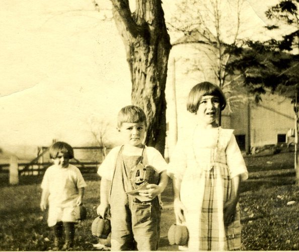Janet, Francis, and Lydia Hall, October 27, 1920