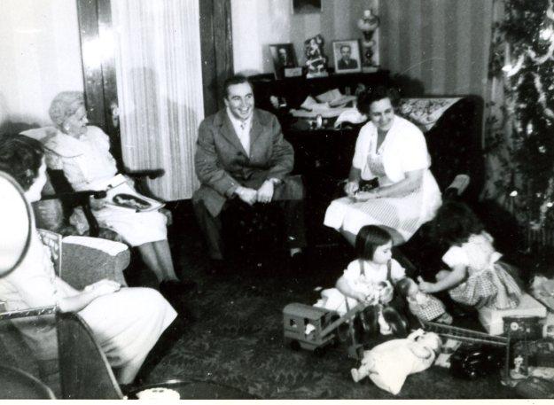 Janet Crump, Charlotte Barton, Harold Crump, Charlotte Crump, Carol, Sue, Christmas, 1947