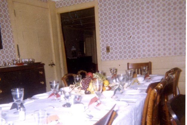 Dining room wallpaper in 1962