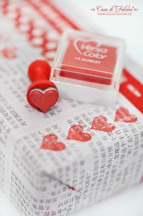Zeitungspapier Masking Tapes Stempel  Verpackungsidee fr Valentinstag  Casa di Falcone