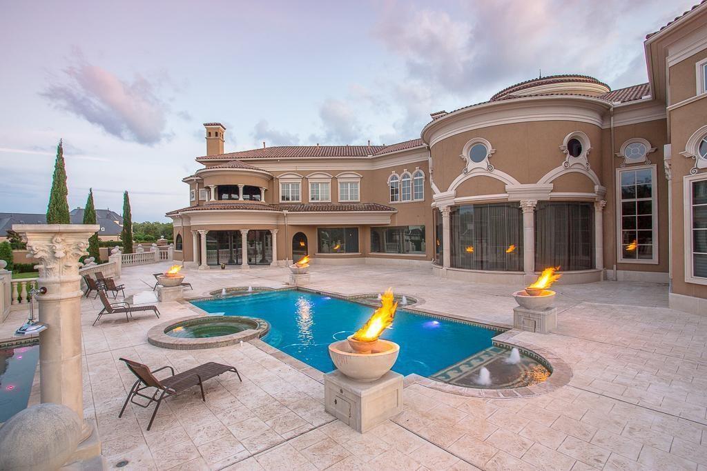 Un villa da ricchi in Texas  Casait