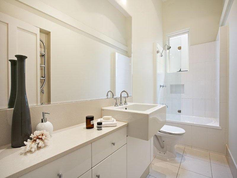 Bagno piccolo rettangolare con doccia idee creative di u2013 design per