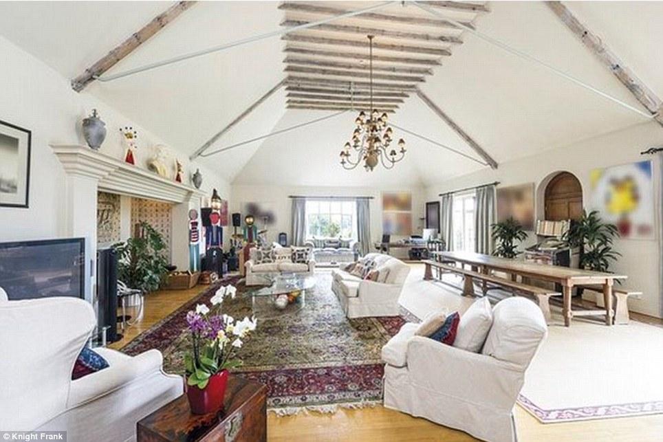 Ringo Starr vende casa in vendita la super villa nella