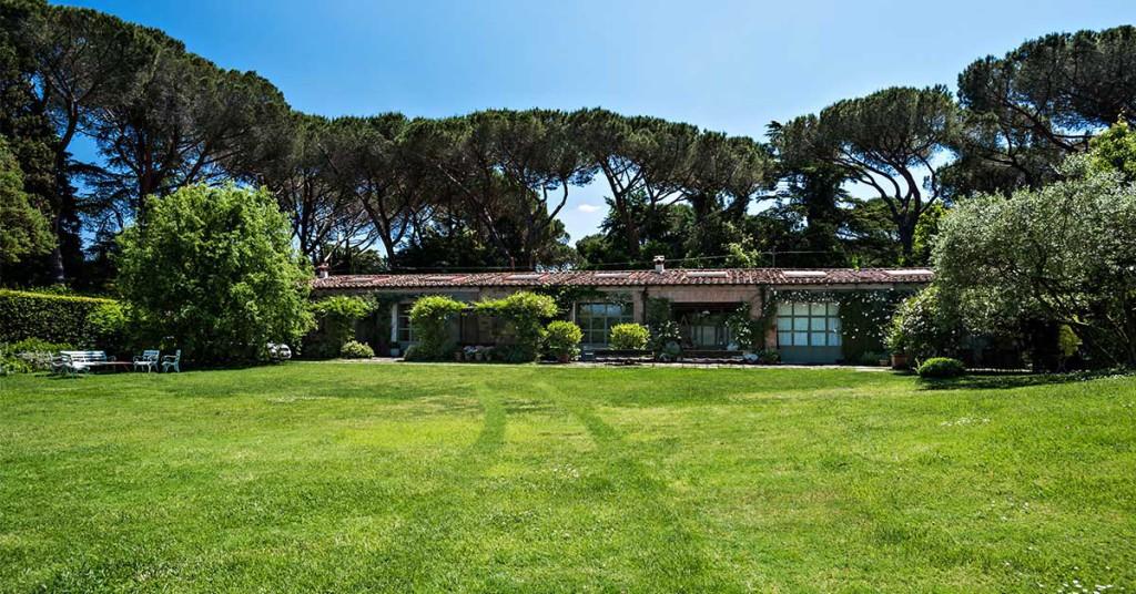 Roma in vendita la villa del produttore cinematografico Carlo Ponti  Casait