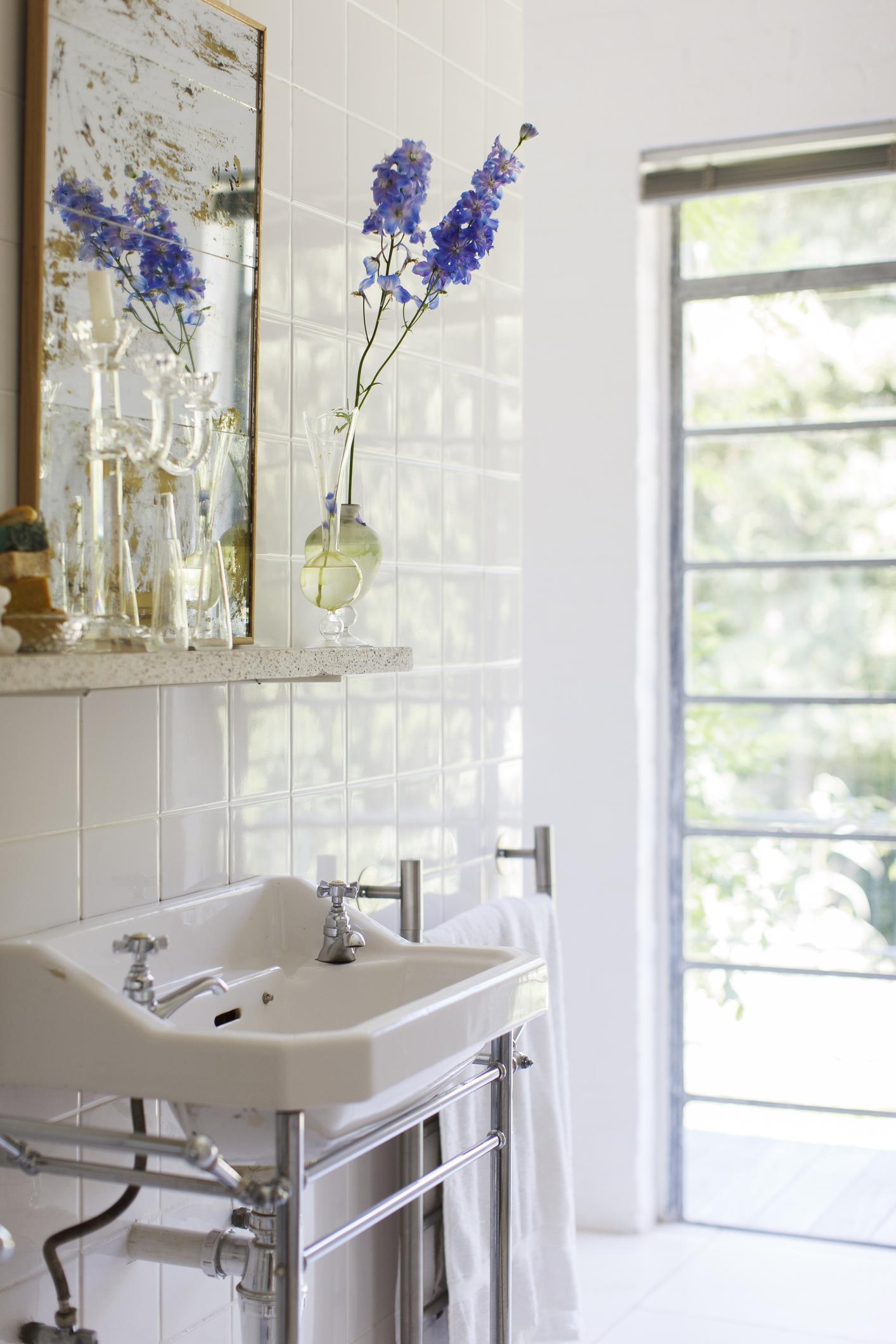 Nuove idee e consigli per progettare e arredare un bagno piccolo  Casait