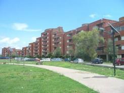 veduta di case popolari con parco, a Fiumicino (Roma)