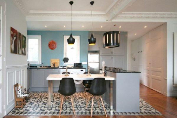 accostare pavimenti diversi per separare cucina e soggiorno