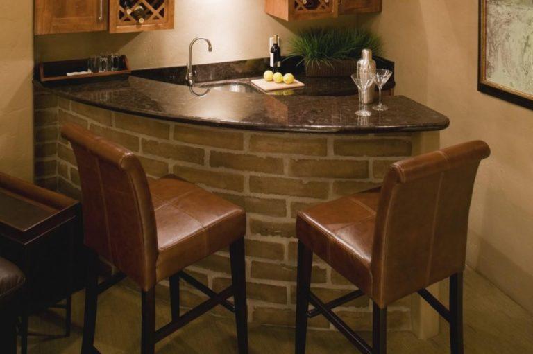 Angolo bar in casa come crearlo e arredarlo casanoi blog - Mobili bar da casa ...