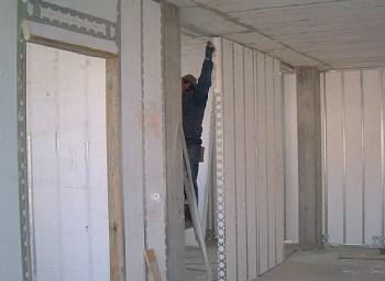 case in polistirolo, assemblaggio dei pannelli con sistema costruttivo Plastbau